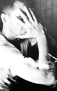 Hugh Dancy Avatars 200*320 pixels   Dimitri_Nanis2