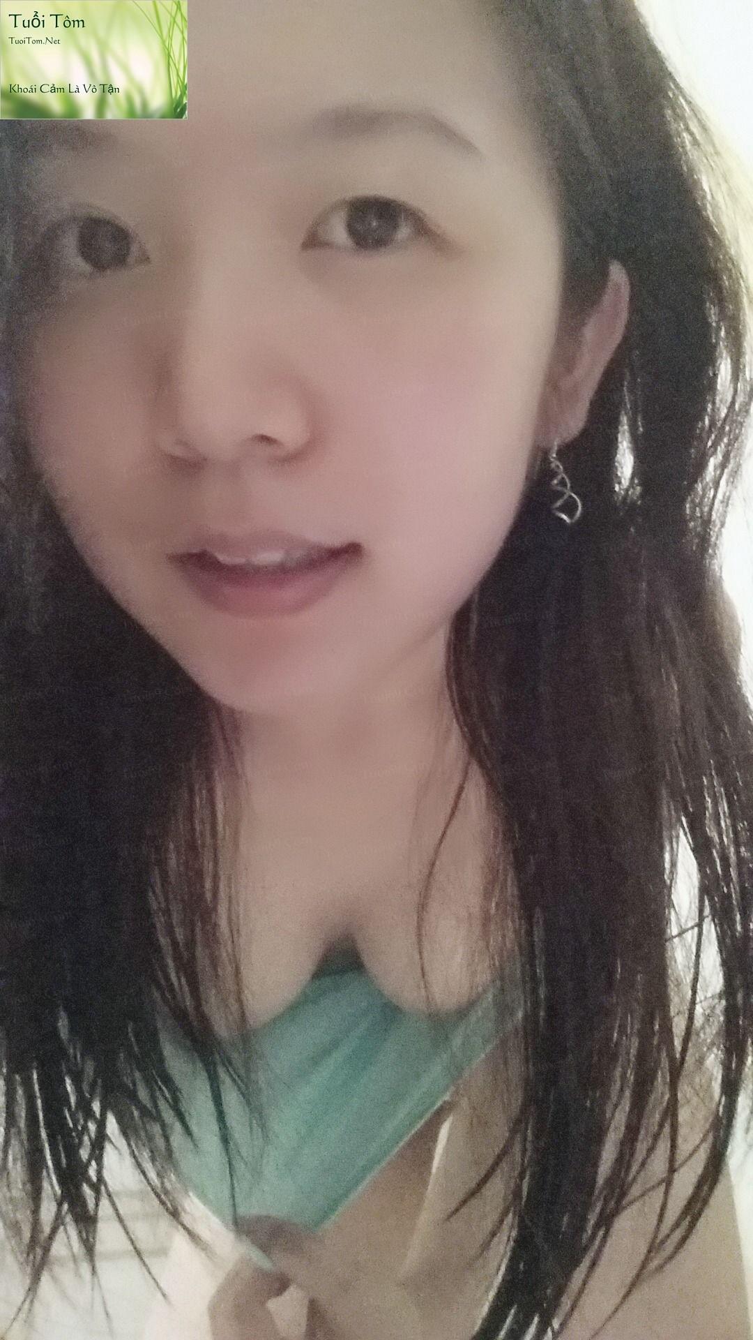 Shy_Adorable_Teen_Xinshu_Feng_Shows_her_Cute_Little_Pussy_49