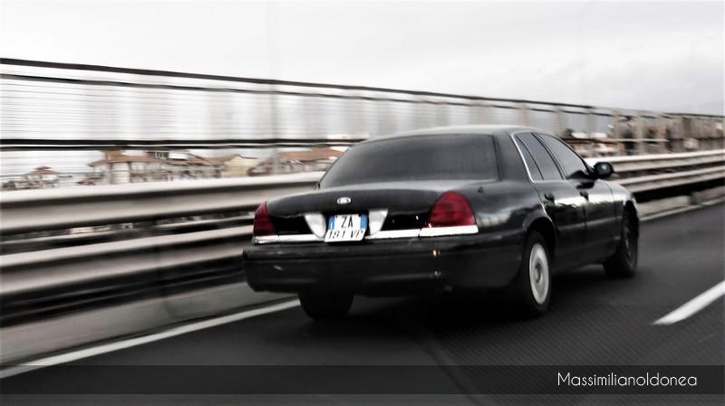Auto Moderne - Pagina 16 Ford_Crown_Victoria_ZA181_VP_4