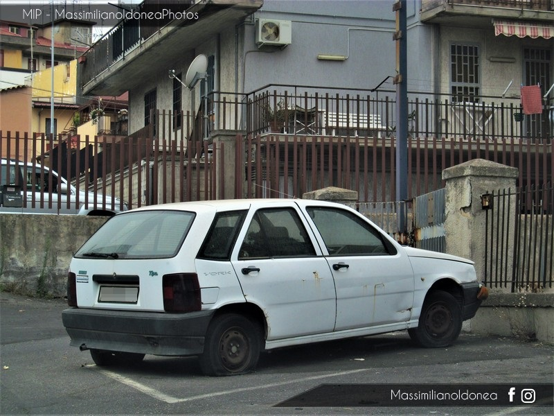 Auto Abbandonate - Pagina 6 Fiat-Tipo-York-1-4-76cv-90-FIK73436