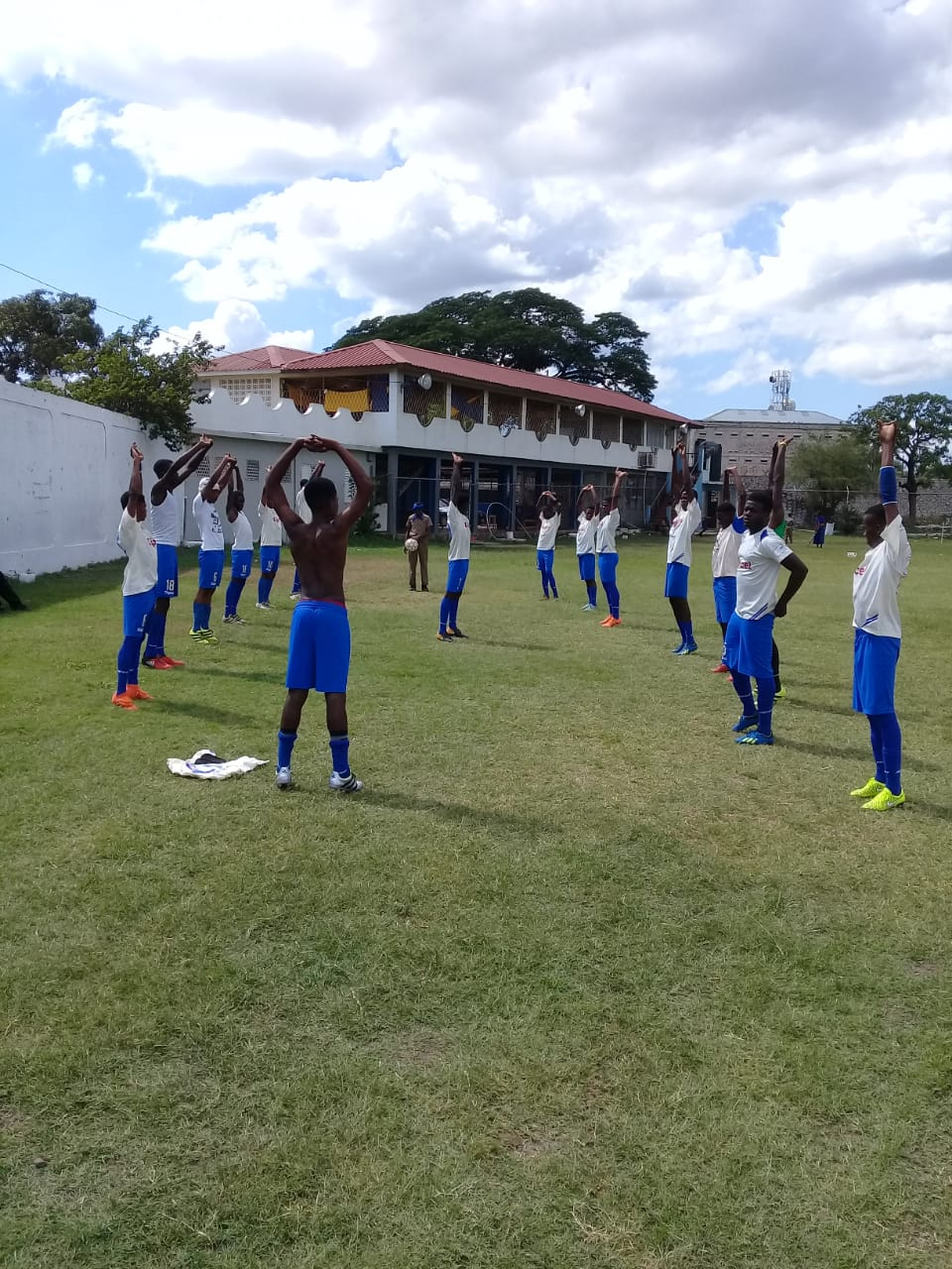 Cumberland warming up for their match against Hydel