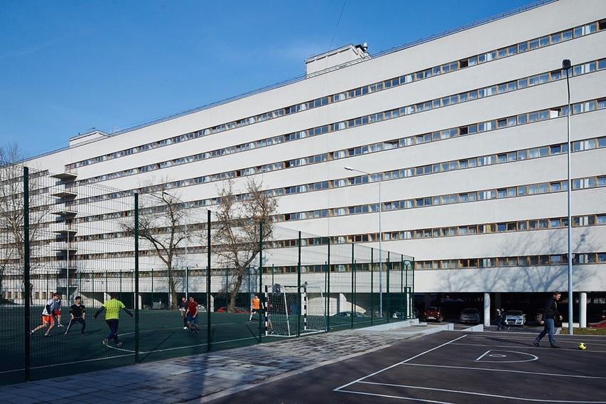 Общежитие текстильного института - Спортплощадка