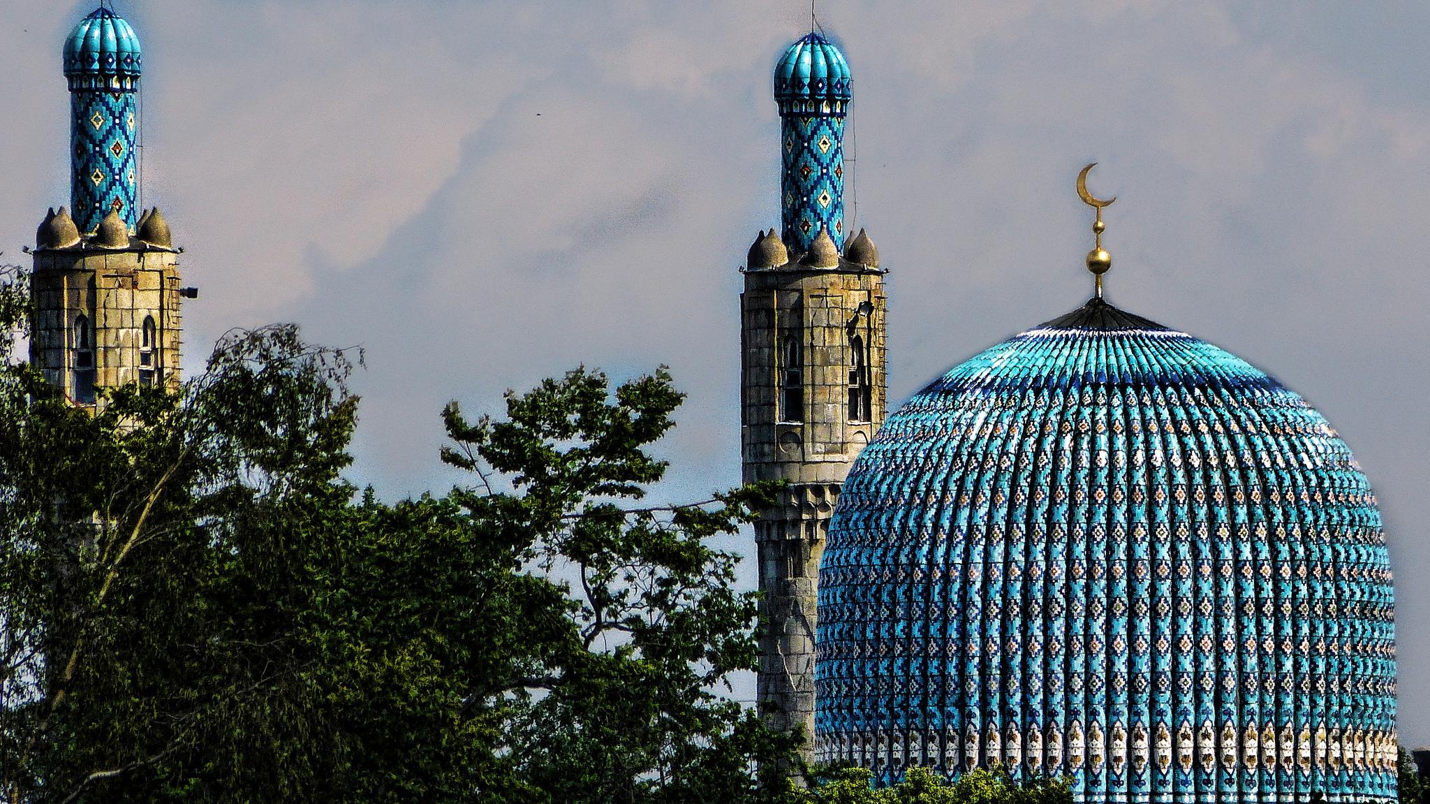 Галерея из десяти уникальных российских мечетей, от Москвы до самого северного города в мире.