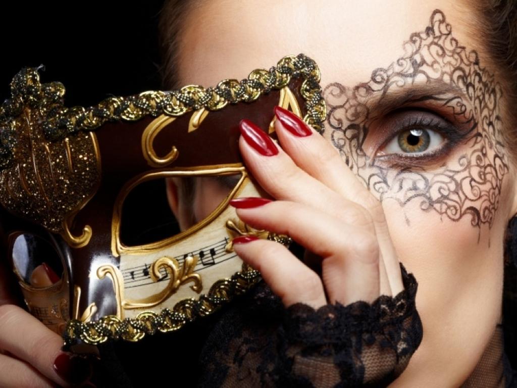 η μάσκα