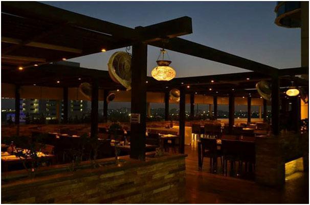 Best_Rooftops_To_Visit_In_Karachi_The_Ocean_Grill_Kolachi_Ocean_Tower_Clifton