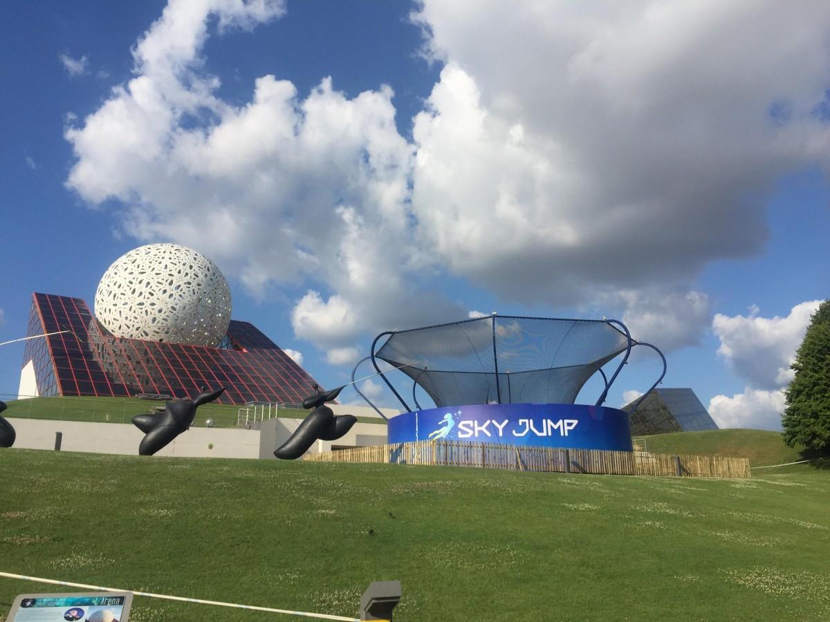 Sky Jump (simulateur de chute libre outdoor) – juillet-août 2018 Sky_Jump_instal_06_07_2018
