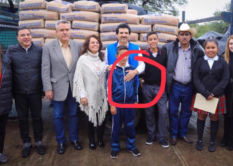 PAG-4-4-El-Dr-Jose-Ra-m-n-Enr-La-animadversi-n-visceral-que-el-alcalde-de-Durango-tiene-hacia-el-gobernador-Jos-Aispuro-es-tal-que-en-la-gr-fica-que-circul-por-las-redes-sociales-se-le-ve-ocultar-con.jpg