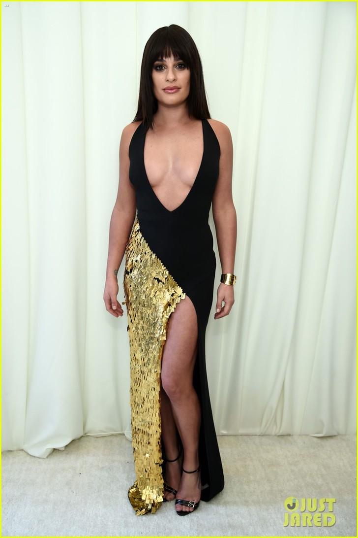lea_michele_wears_plunging_dress_to_elton_john_oscars_party_16