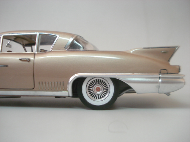 Cadillac Seville 1958 - Arii - 1/24 - Concluido DSC05887
