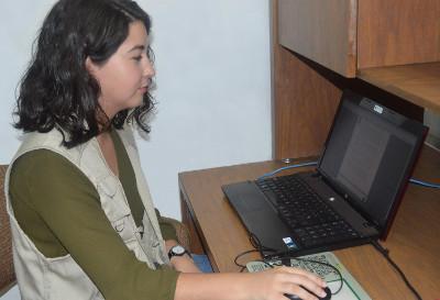 Estudiante-espan-ola-realiza-estancia-en-el-CISE-2