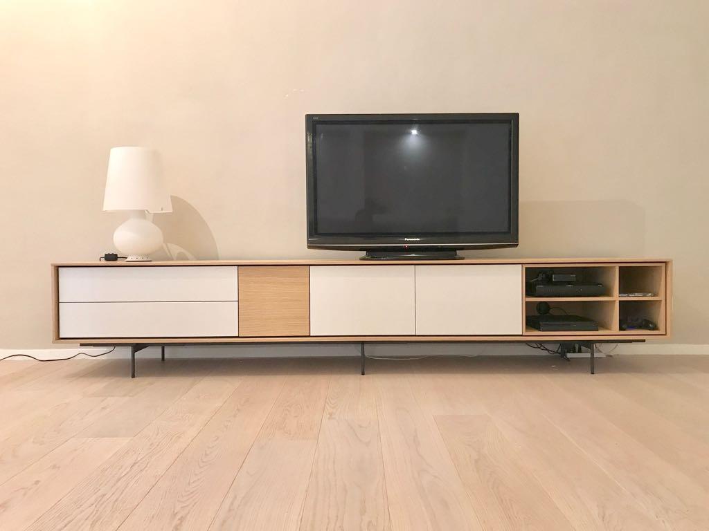 Canalina Per Fili Tv consigli per posizionamento tv a muro e presa scrivania