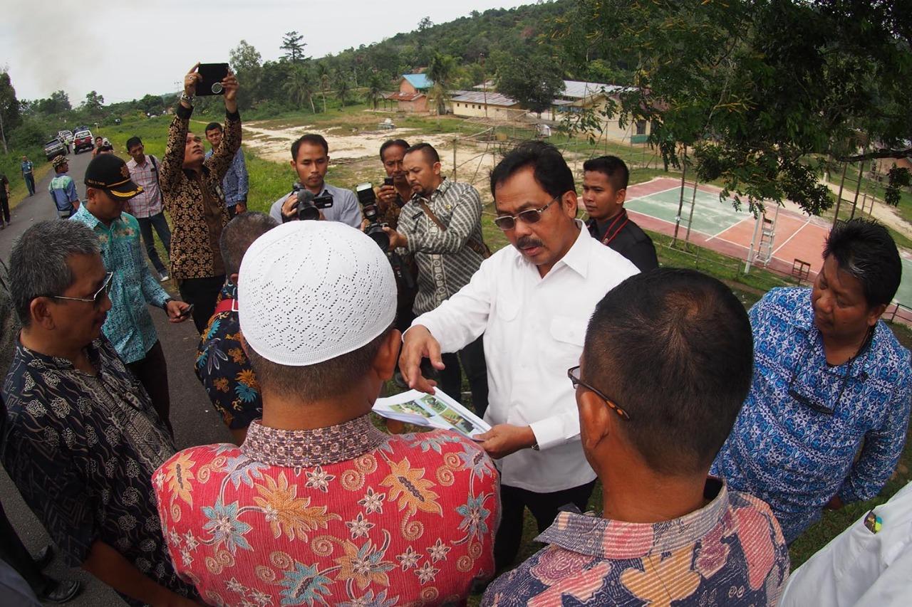Dispora Kepri Minta Lingga Persiapan Lapangan Popda Produk Ukm Bumn Songket Durian