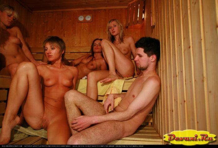 голые девки в бане