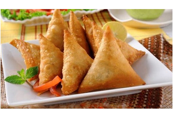 Traditional_Dishes_Of_Aftar_In_Muslim_Countries_Samosa_Pakistan