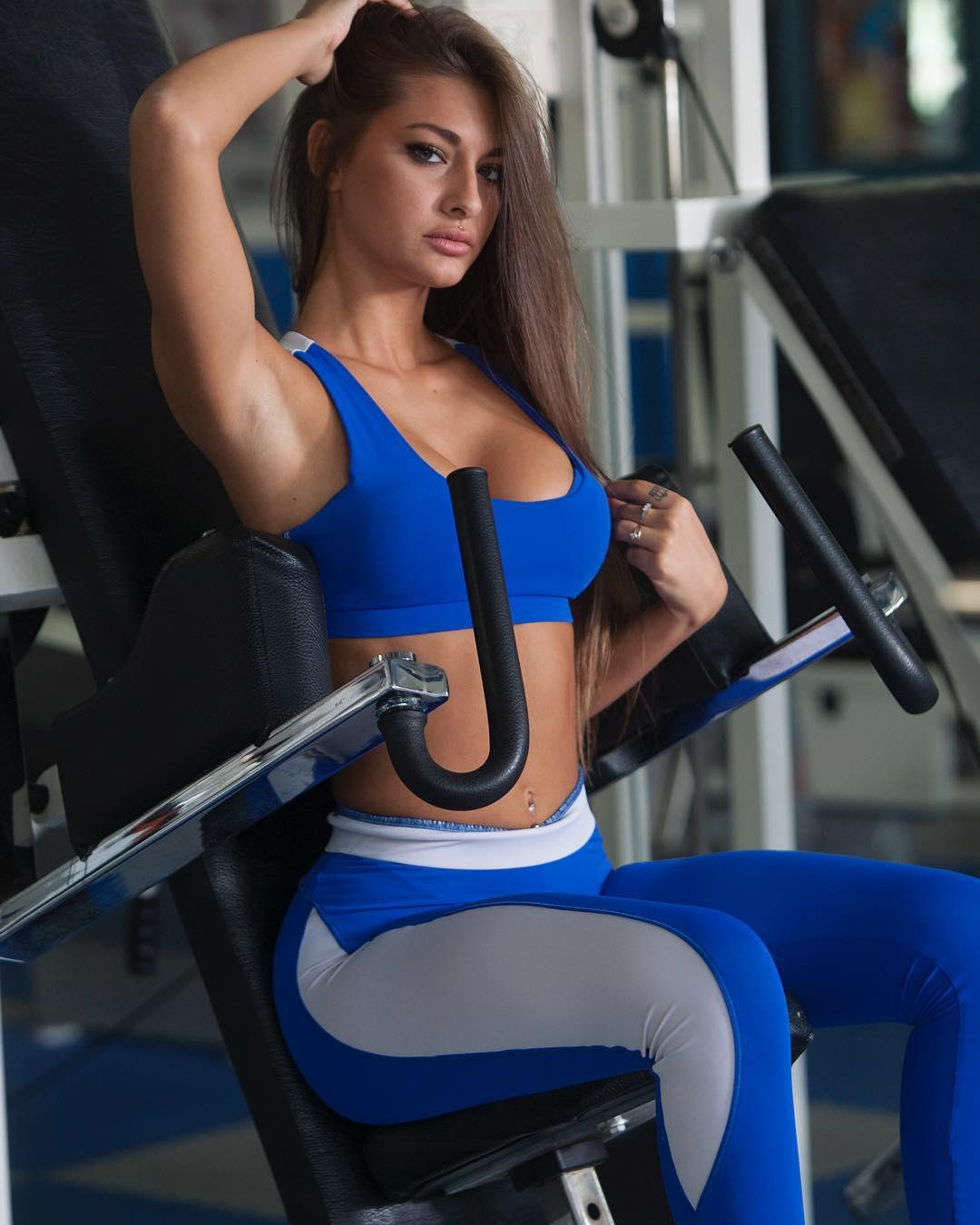 Roberta Carluccio - Bio   Fitness Models Biography