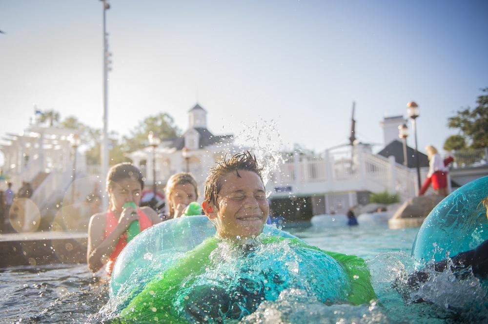 Mia Khalifa Swimming Pool
