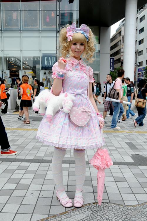 16_lolita_2009_b