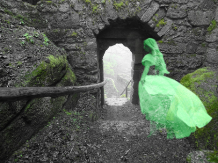 Grey or white ladies are famous in British ghost stories. But what about the green lady? Click here to learn about 4 castles with a resident green lady.