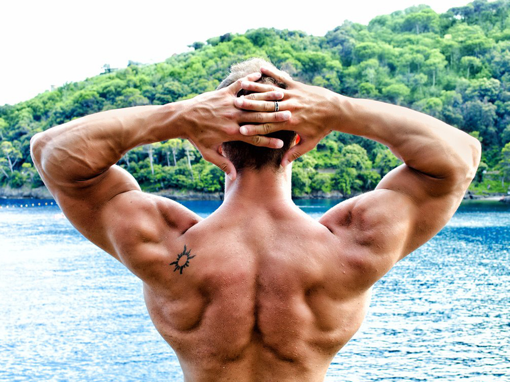 How to pump broad shoulders?