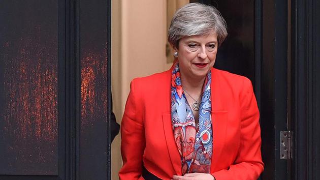 Renuncian dos asesores de Theresa May, tras fracaso en las elecciones