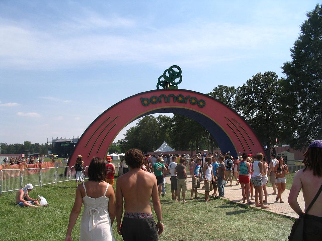 bonnaroo festival 1