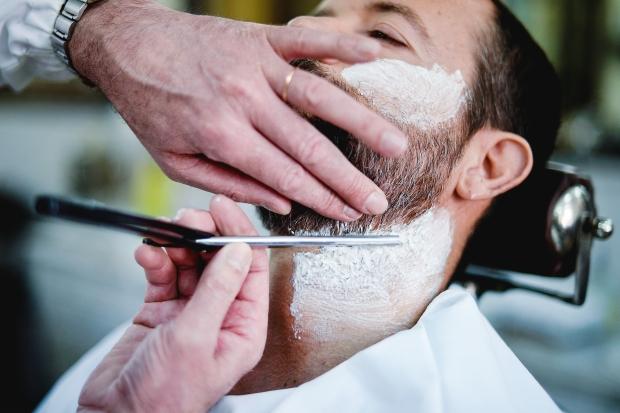 Dangerous shaving: a ritual for real men