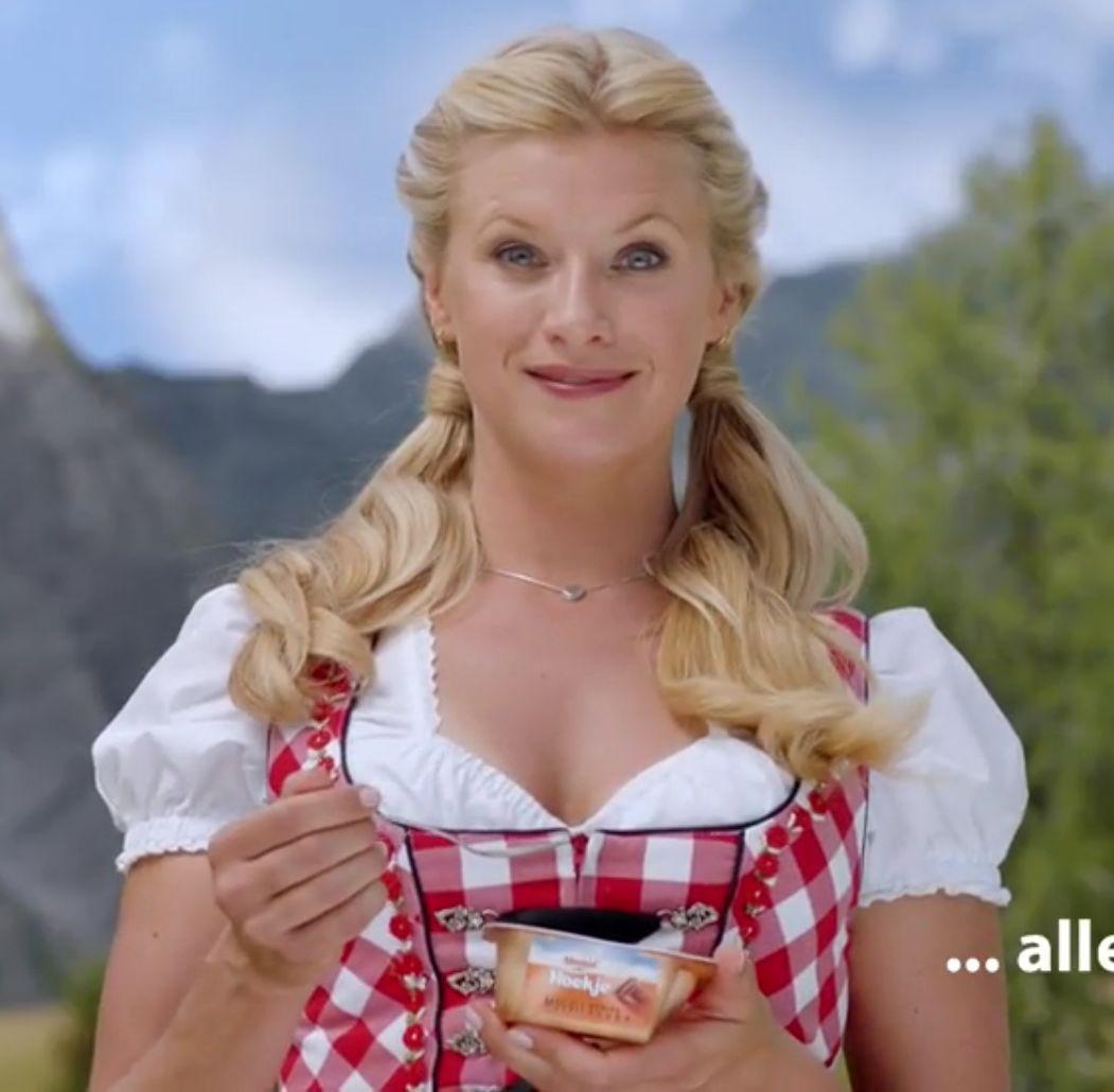 Foto's van Babes uit een reclame