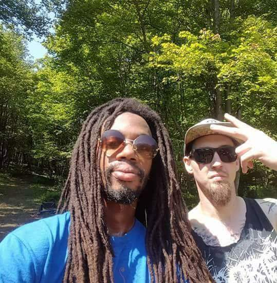 No bamboozles. Here's a pic and a track I recorded with him:  https://image.ibb.co/kHth4v/FB_IMG_1502978867466.jpg  https://roobxcube.bandcamp.com/track/kog-x-bagel-jesus-half-savage-prod-psyklops-x-roobxcube