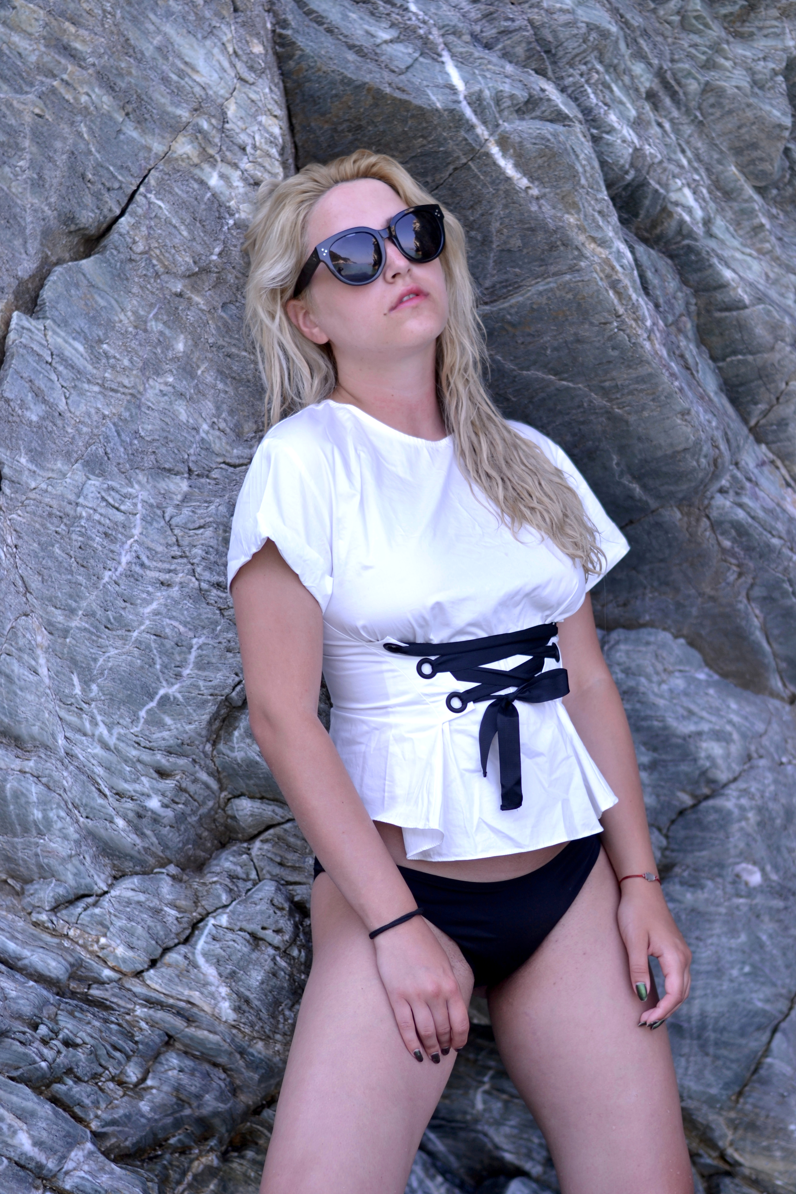 skopelos greece fashion blogger