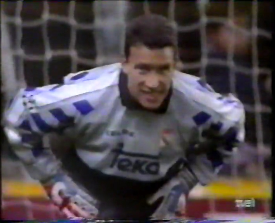 Champions League 1995/1996 - Grupo D - J5 - Real Madrid Vs. Ajax (576p) (Castellano) Captura_4