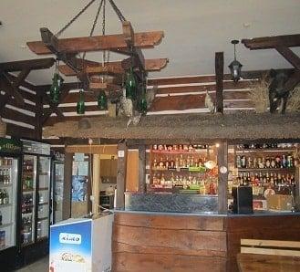 кафе на базі відпочинку Альбатрос неподалік Львова у селі Воля-Гомулецька