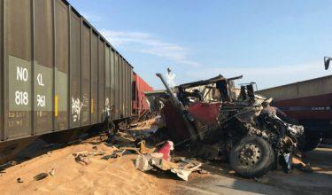 wheat_truck_crash_375x220