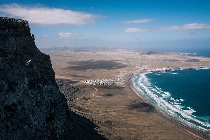 Lanzarote_cliffs_view