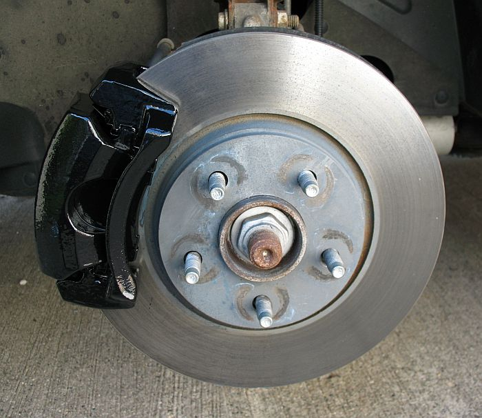 Black Caliper on 2000 Chevrolet Malibu