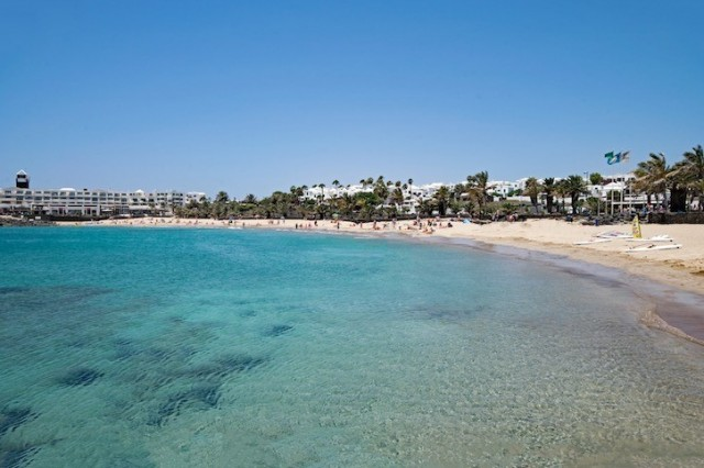family_friendly_beach_in_Lanzarote