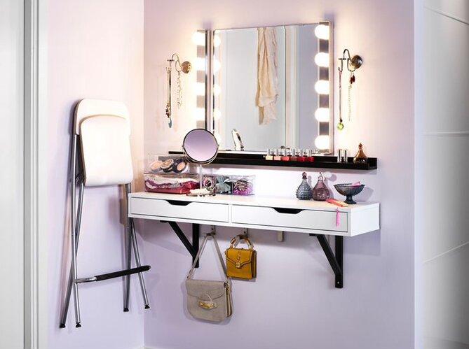 Туалетное зеркало с подсветкой