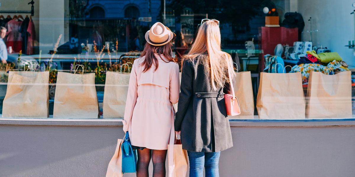 Women Shopping Plaza