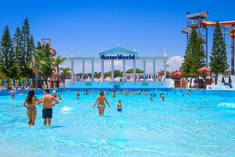 Poseidons_Wave_pool_at_Water_World_Water_Park_Cyprus_2