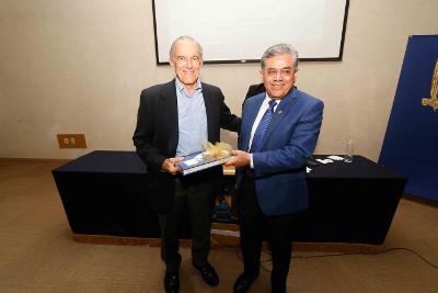 Conferencia_el_Modelo_Democratico_y_Economico_de_Mexico_a_Debate_8