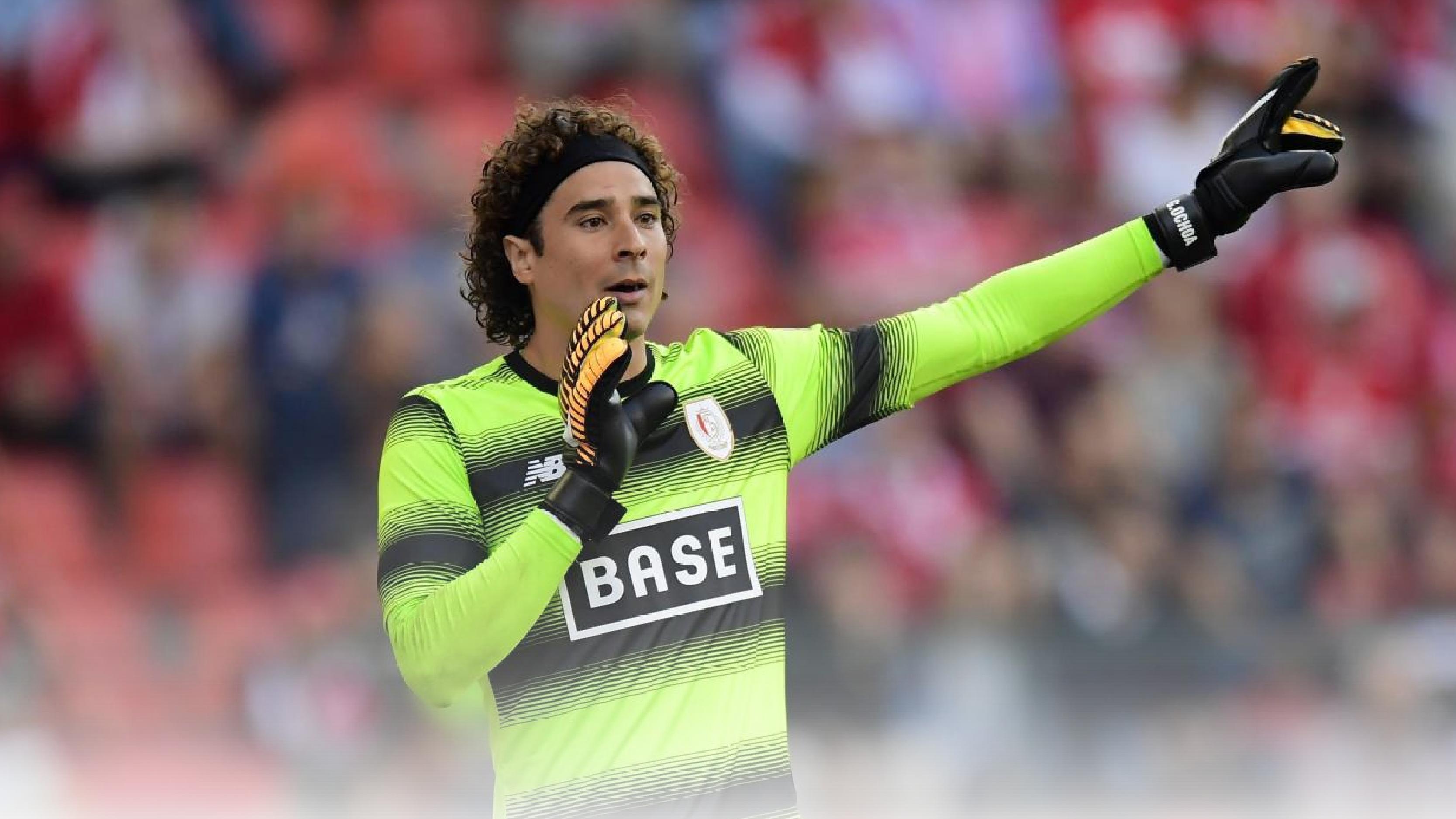 Ochoa y el Standard Liège clasifican a la fase por el título