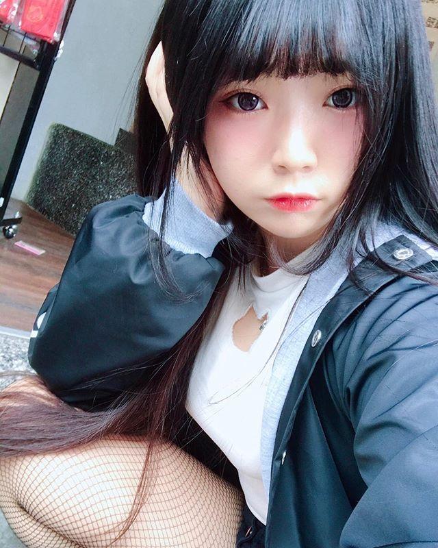 少女「落落Raku」演起《金瓶梅》超兇身材還有性感蜜桃臀