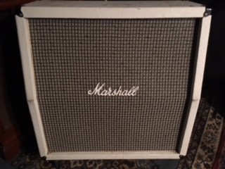 ... but is this a 1970/1971 Marshall Cab? I didu0027t see a signature inside but it has gold grill piping metal handles and corners and a particle board back. & Marshall 4x12 Cabinet Identification