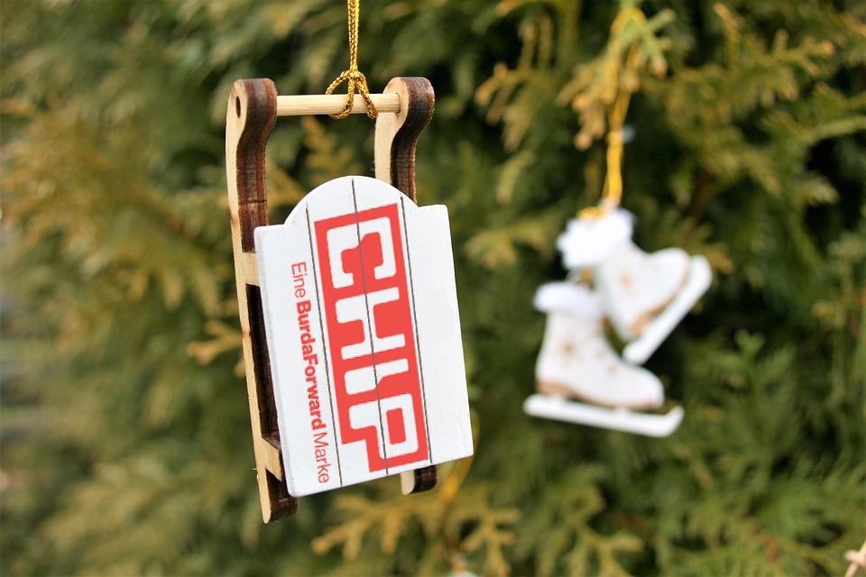 christmas_tree_decoration_3035336_960_720.jpg