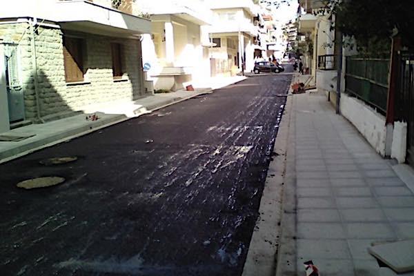 Ανακατασκευή και παράδοση στην κυκλοφορία τμήματος της οδού Γρίβα