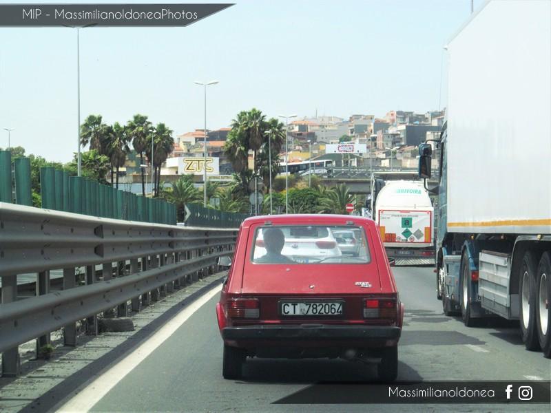 avvistamenti auto storiche - Pagina 22 Fiat_147_1050_49cv_CT782064_2