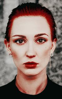 Katherine Barrell avatars 200*320 pixels Katbarrell3