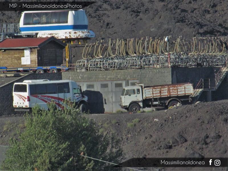 Veicoli commerciali e mezzi pesanti d'epoca o rari circolanti - Pagina 6 Unimog_5000_4x4_Tomassini_e_Fiat_682