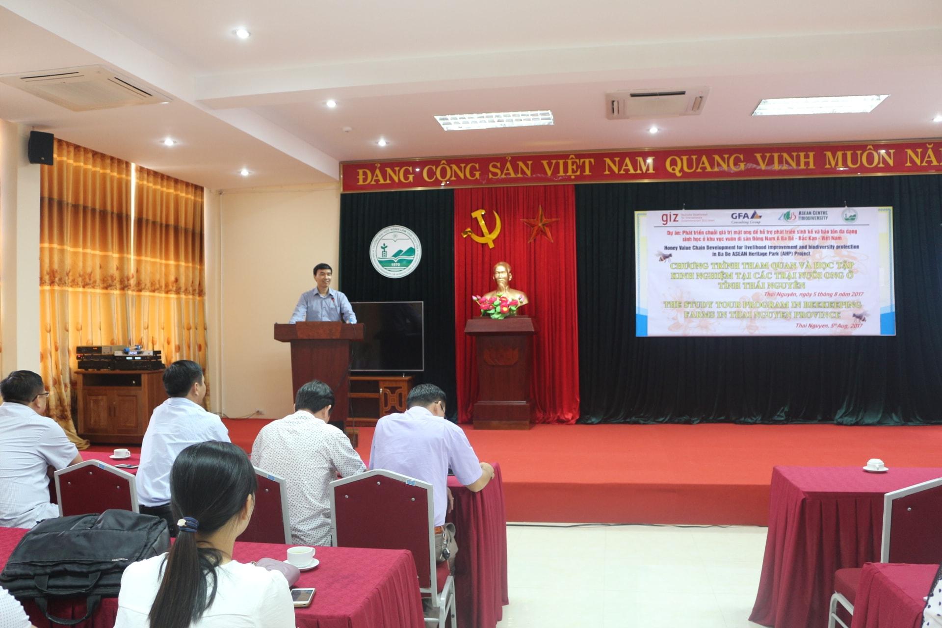 PGS.TS Nguyễn Thế Hùng - Phó hiệu trưởng Trường ĐH Nông lâm, phát biểu trước hội thảo