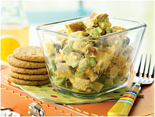 TOP_10_HEALTHY_DINNER_IDEAS_CURRIED_CHICKEN_SALAD_WITH_APPLES_AND_RAISINS