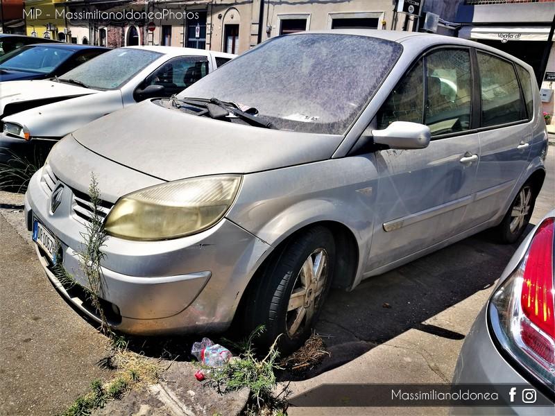 Auto Abbandonate - Pagina 6 Renault-Scenic-d-Ci-1-9-120cv-04-DR006-ZN